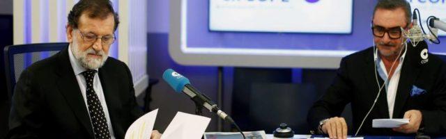 Medios de comunicación: Carlos Herrera renueva con la COPE tras pactar menos horas en directo. Noticias de Comunicación