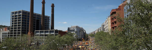Independencia de Cataluña: Puigdemont roba protagonismo a los presos y monopoliza la manifestación 'indepe'